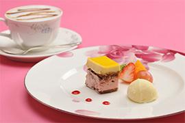 おすすめデザート アイスクリームとフルーツ添え キャラメルマキアートセット