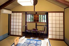 6畳の和室「羽島」の間